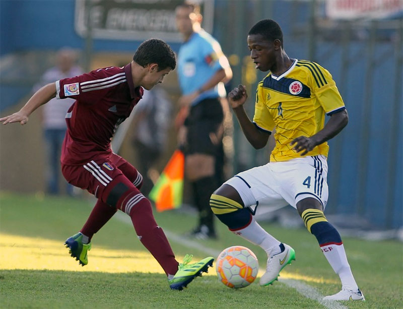 Liverpool want Colombian youngster to bolster defence